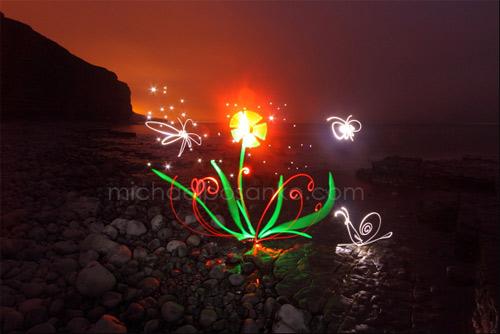 23 Astonishing Examples of Light Painting 1