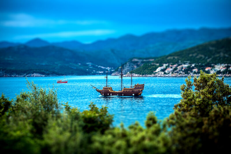 tilt shift pirate ship
