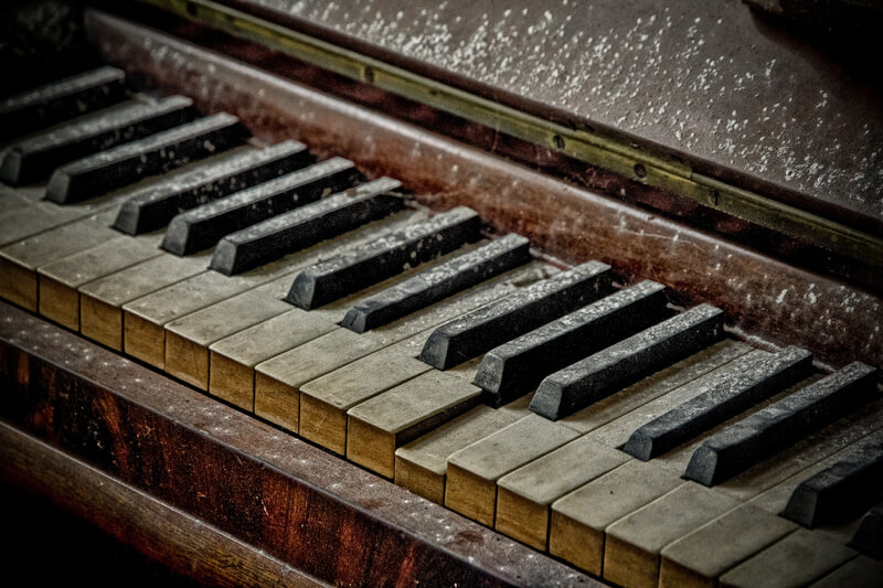 urban decay dusty piano keys