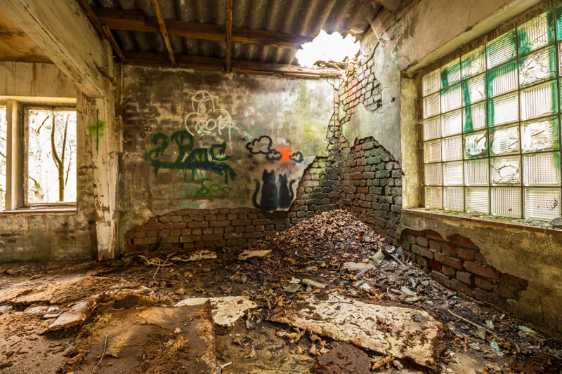 Bryan Schroeder >> 30 Striking Photos Showing the Beauty of Urban Decay