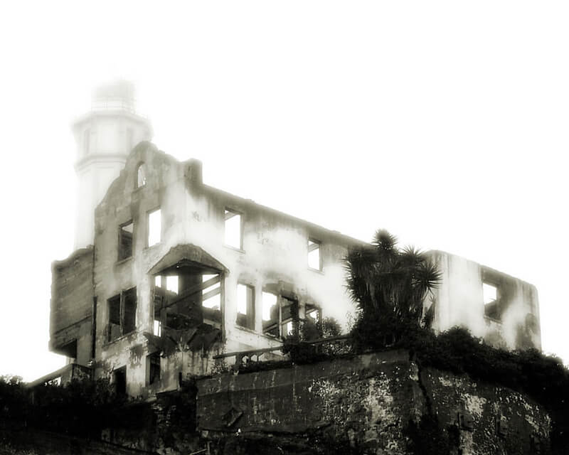 urban decay Burnt-down warden's house on Alcatraz island