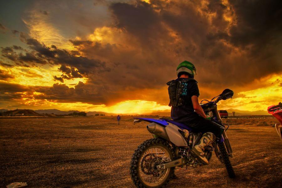 Zach Dischner - Kill the Dirt Track, Watch Sunset, Repeat