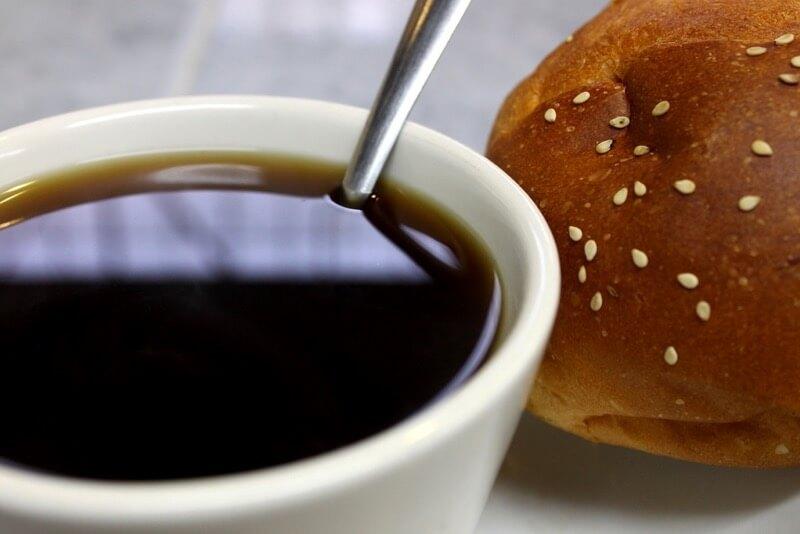 Laura Varela - Café y Pan de Yema