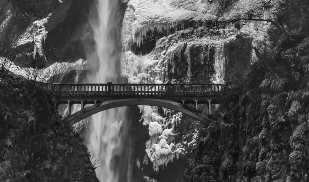 Jeff Oates - Multnomah Falls