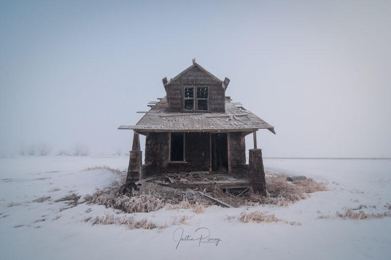 abandoned house winter