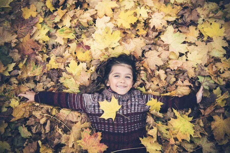 Philippe Put - autumn leaves boy