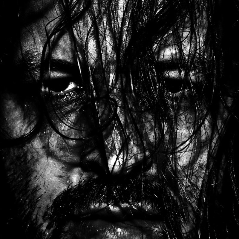 Thomas Lieser - the mask of madness (self contained portrait)