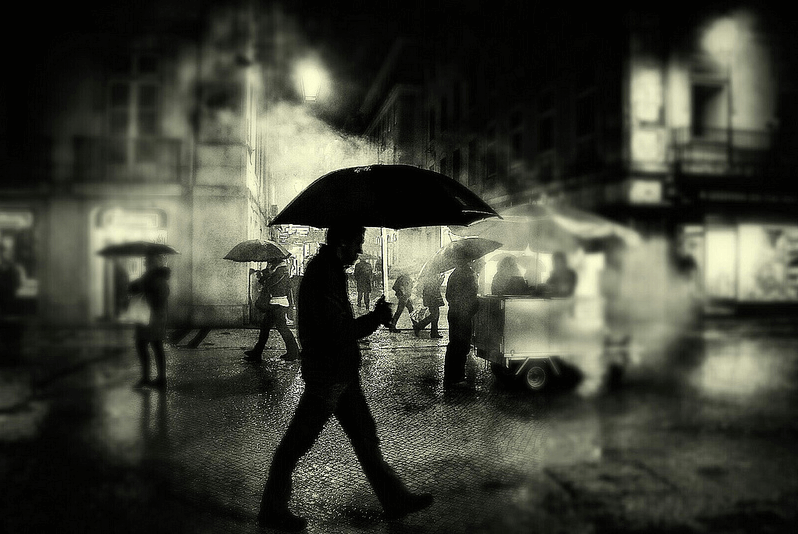 Joao Santos - night street photography