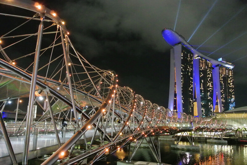 Double Helix Bridge Singapore