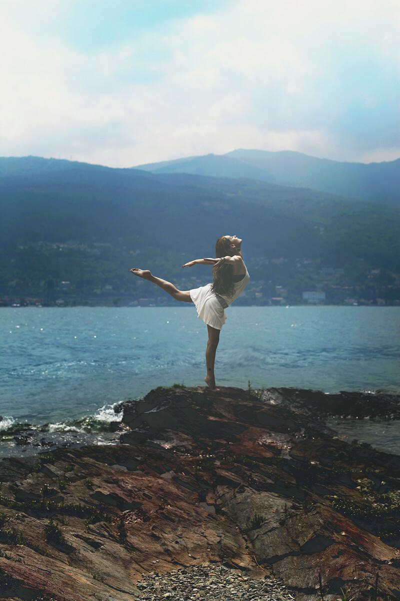 Erika Zolli Into the Mystic