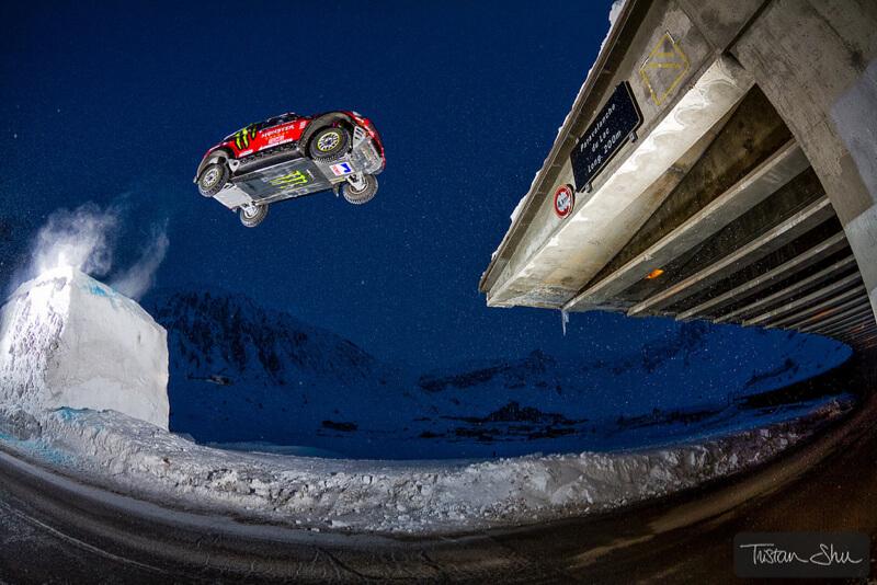 Dakar rally car jumping