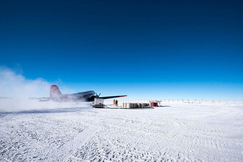 plane antarctica