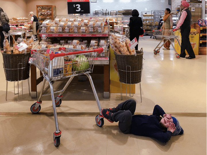 Natasha Kelly grocery shopping