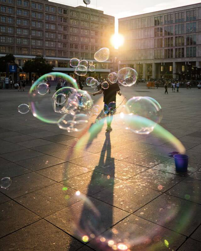 blowing bubbles berlin