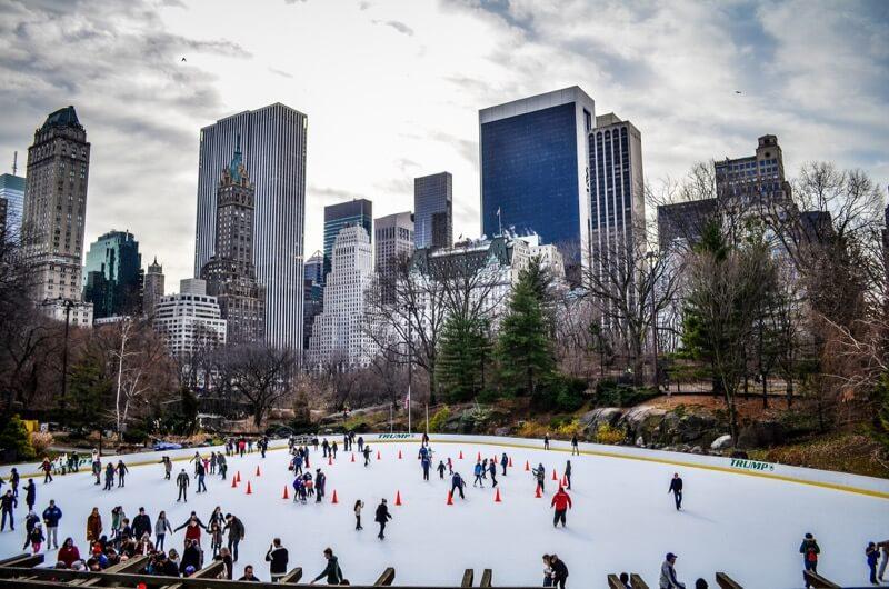 m01229 - Central Park Pond skating rink