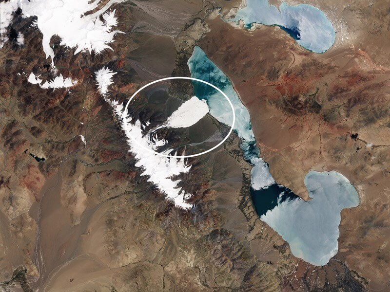 Ice avalanche in Tibet's Aru Range after