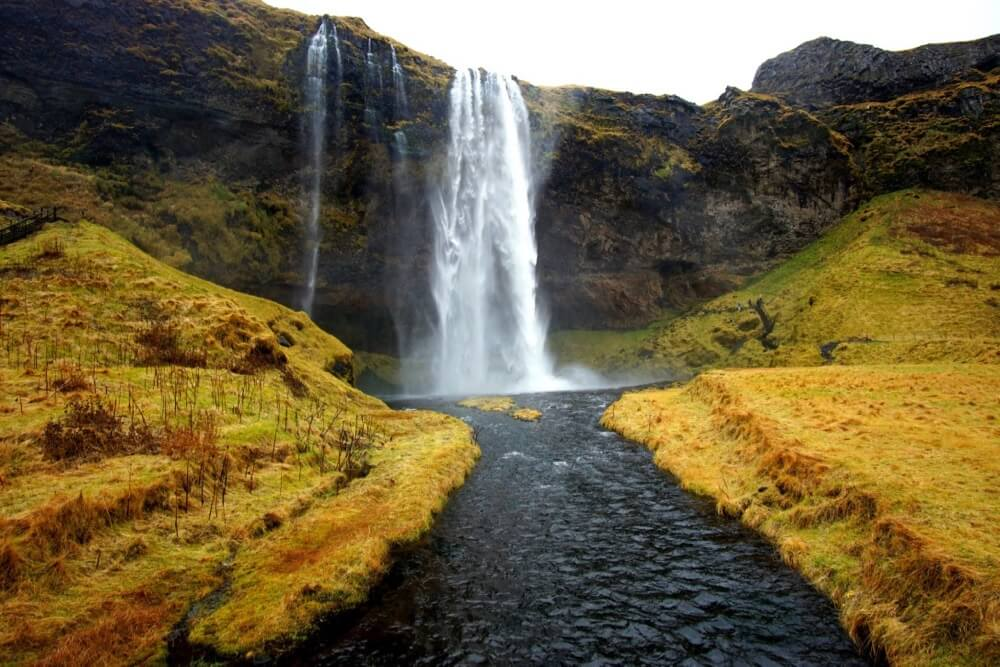 Erik Junberger - Seljalandsfoss waterfall