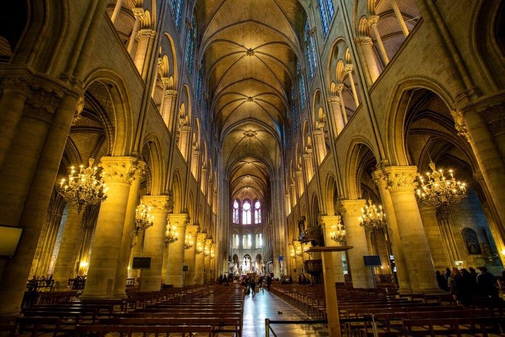 Atibordee Kongprepan - Notre Dame Cathedral