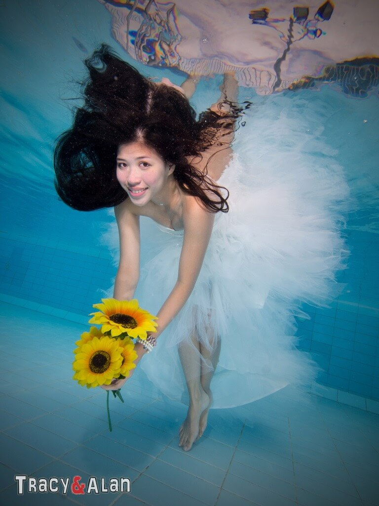 Sam YU dress in water