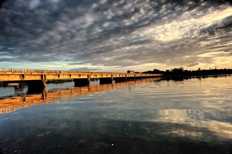 muttukadu river bridge