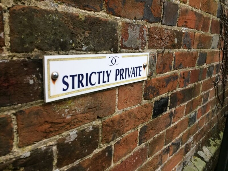 strictly private sign