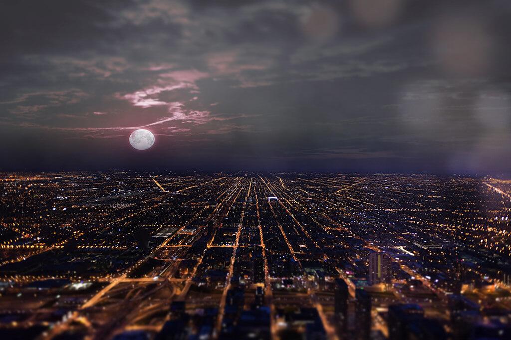 Shane Taremi - Full moon over Chicago