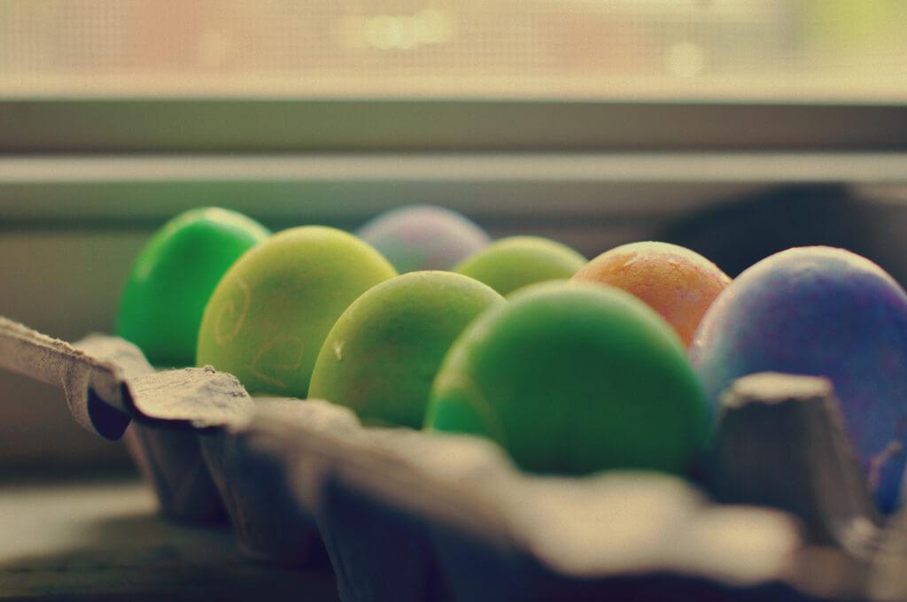 jordan parks - dyed eggs