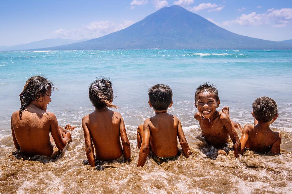 Ahmad Syukaery - Kids at Waijarang Beach, Lembata