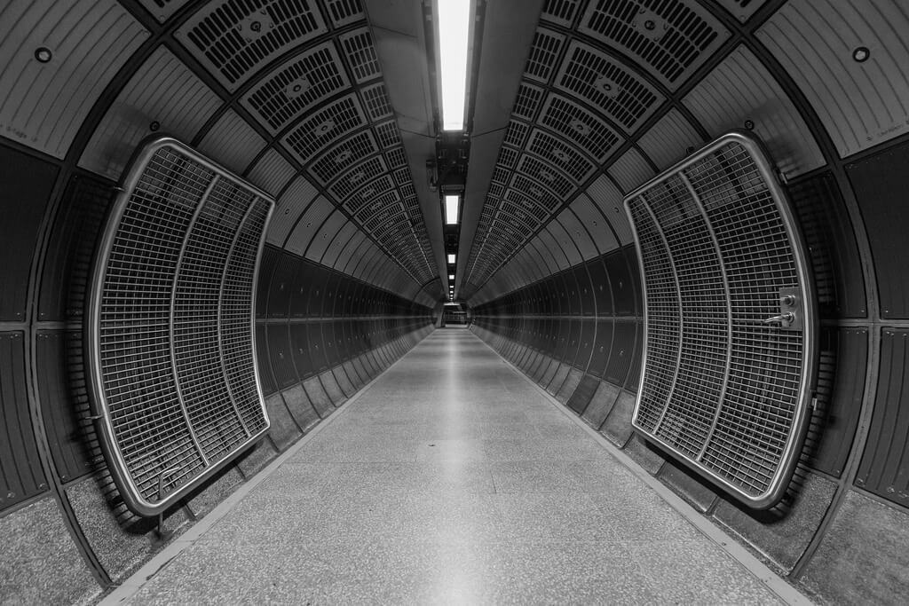 Sam Codrington - London Bridge Tunnel vanishing point