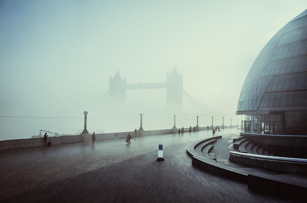 Morning fog, Tower Bridge