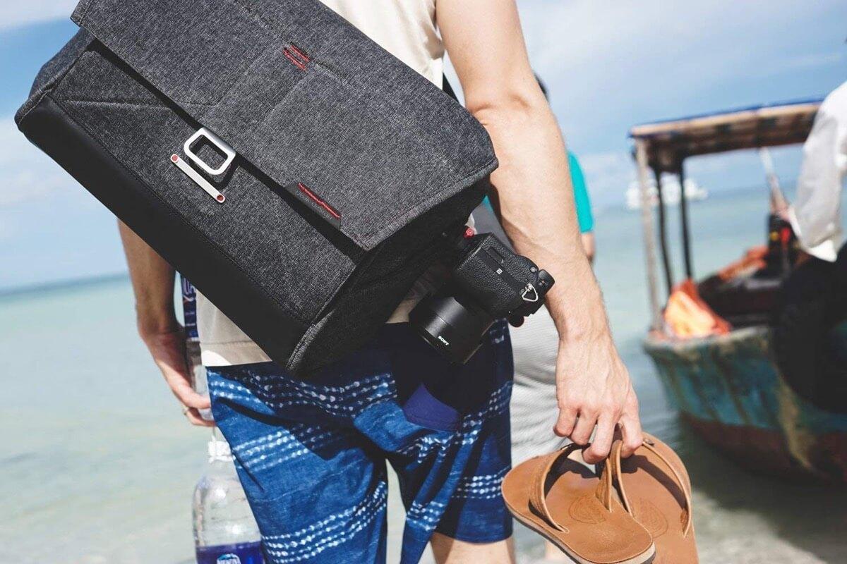 "Peak Design 15"" Everyday Messenger Bag"