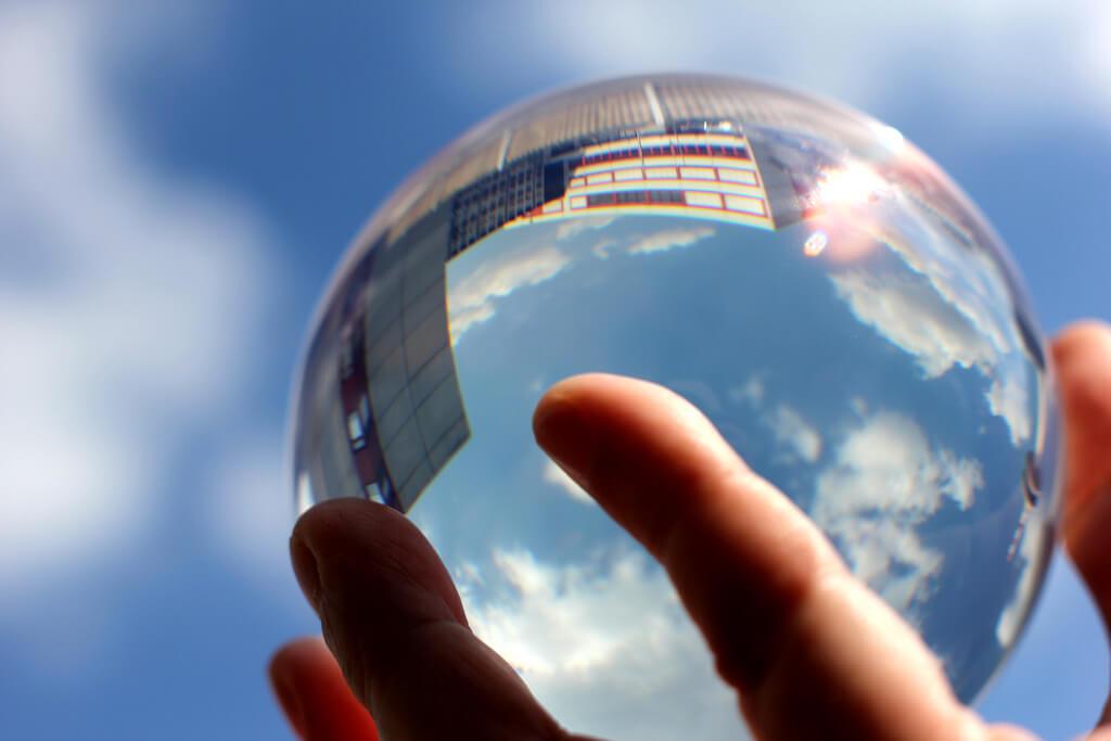 Christian Schnettelker - Crystal Ball / Glaskugel sky