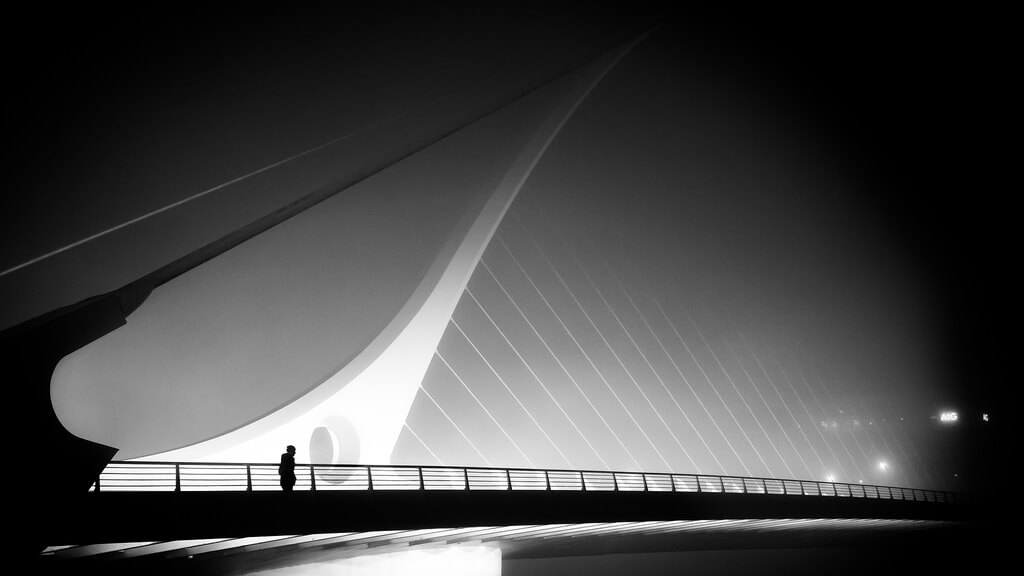Giuseppe Milo - The foggy bridge - Dublin, Ireland - Black and white street photography
