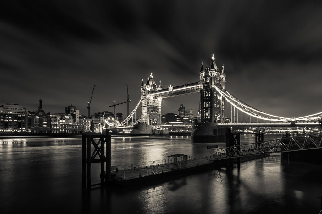 Paul Shears - Night By The Tower Bridge