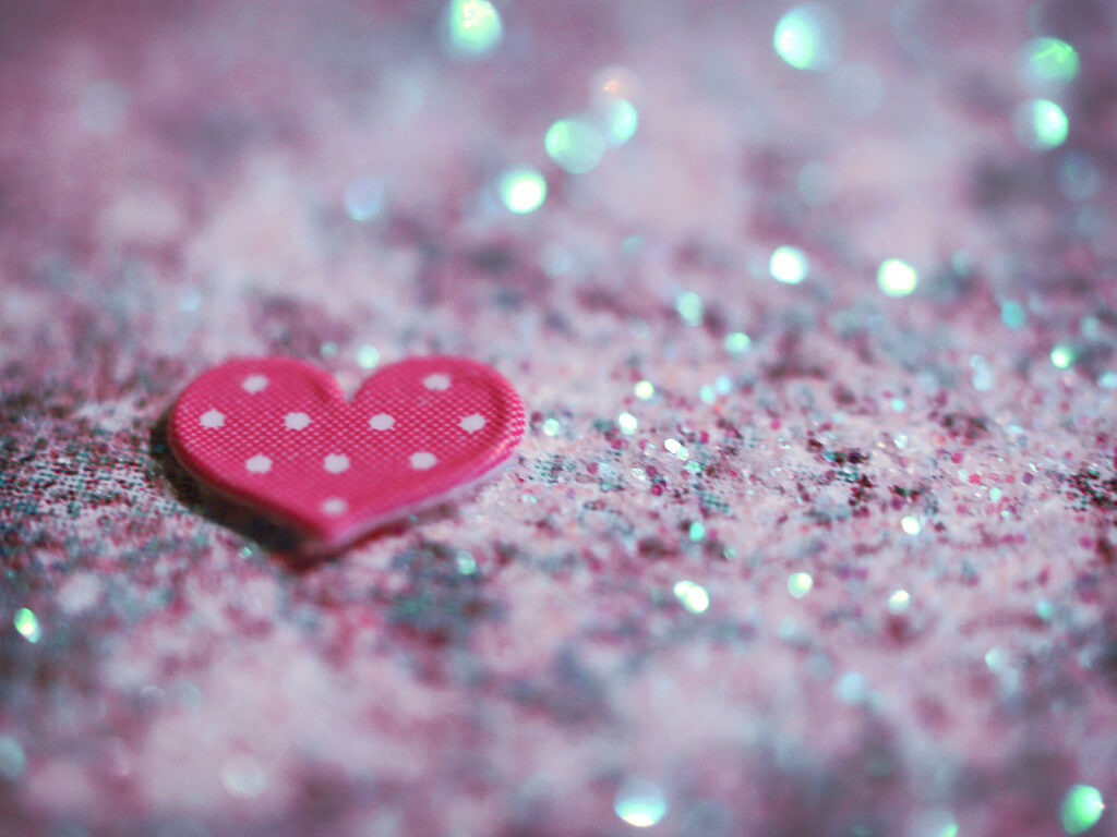 Asja Boroš - pink and glitter heart