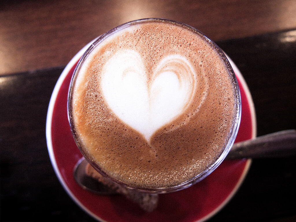 Is111 - heart latte art