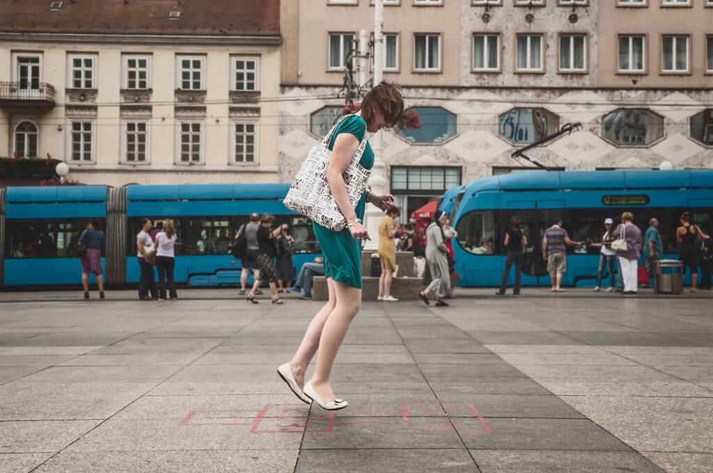 Xavier D. Buendia - hopscotch street photography