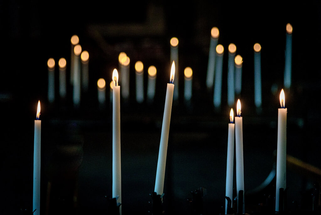 Nathalie - bokeh candles