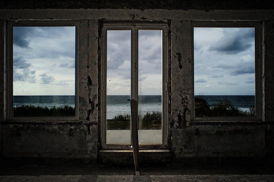 armelle chapmanarmelle chapman - abandoned building