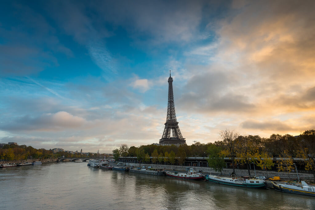 valcker - Eiffel tower sunrise