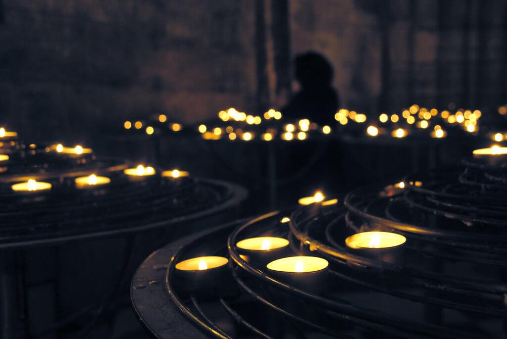 Zoltán Vörös - Candles Notre-Dame