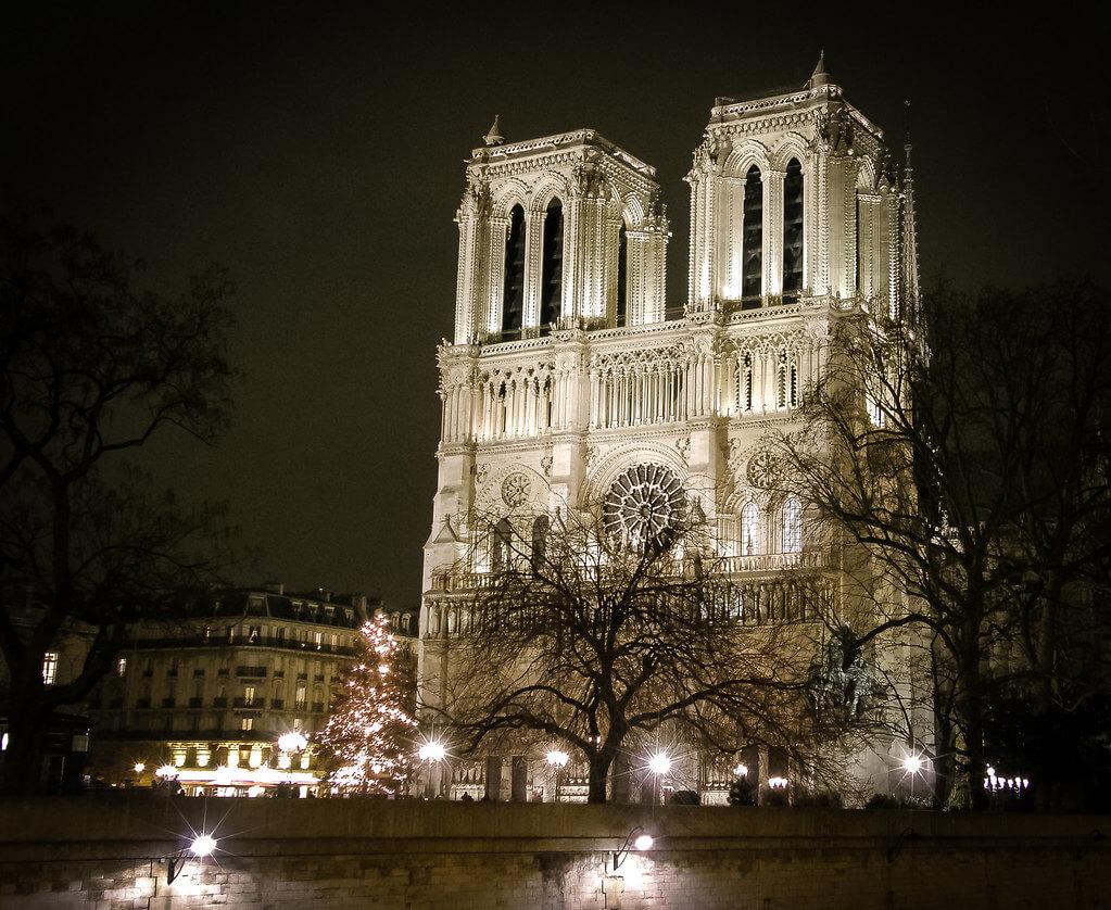 Елена Пејчинова - Notre-Dame de Paris, Christmas time