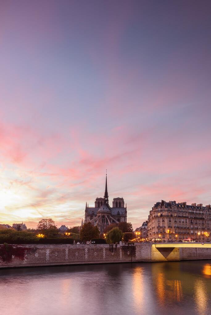 pourkoiaps - Notre-Dame au coucher de soleil