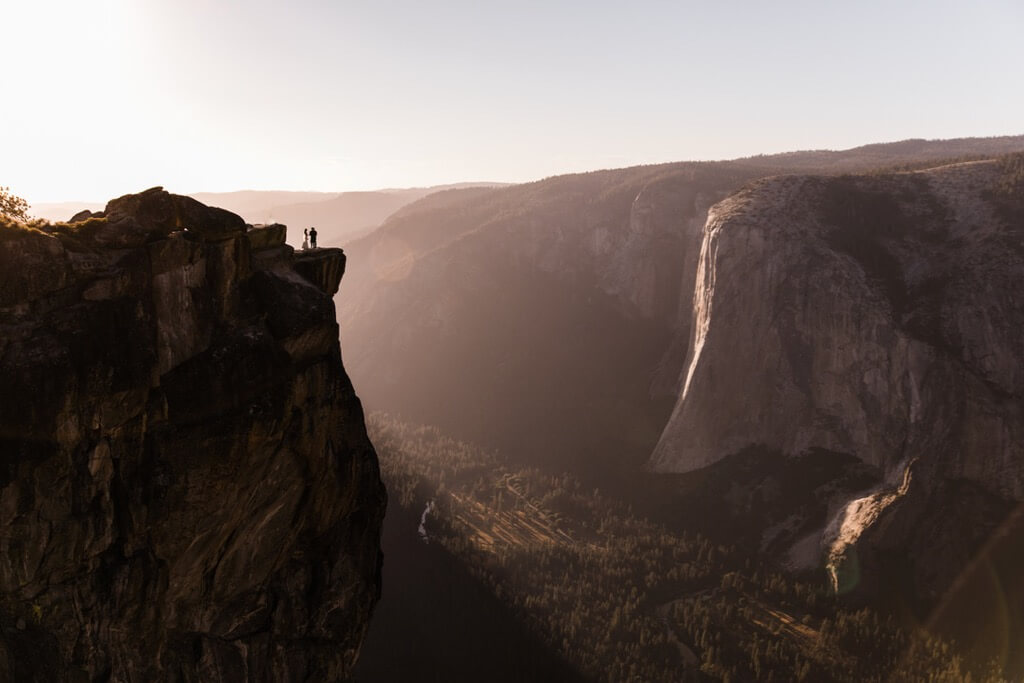 Hearnes Elopement Photography - Yosemite Taft Point