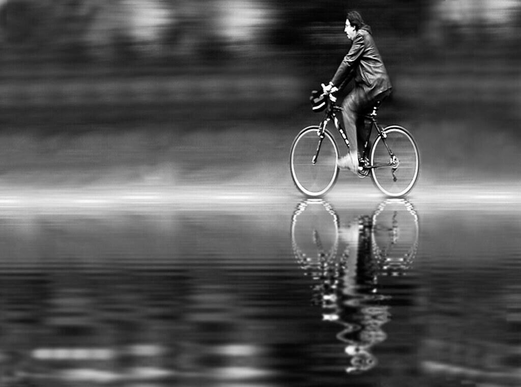 Bahadır Bermek - Bicycle reflection Istanbul