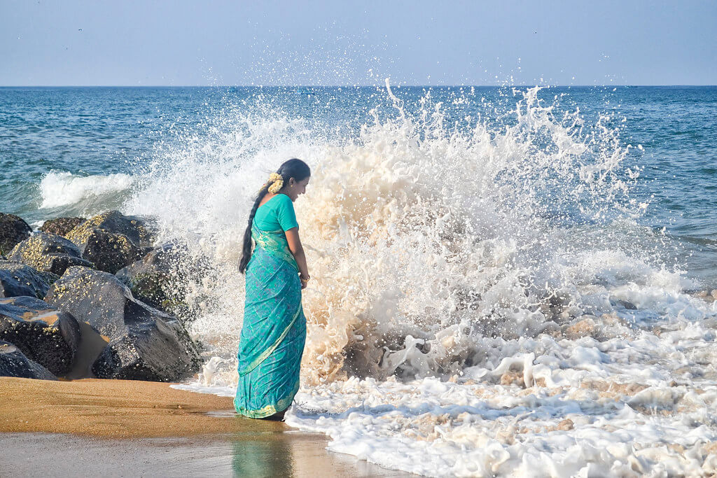 Shamini - ocean wave splashing