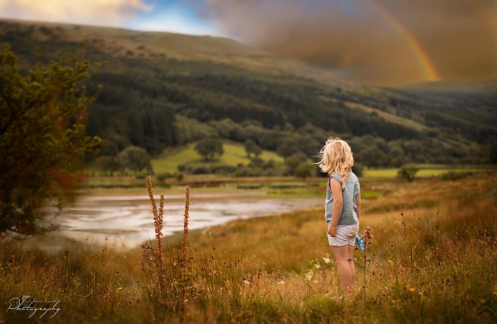 Malgorzata Kapustka - Mountains and rainbow
