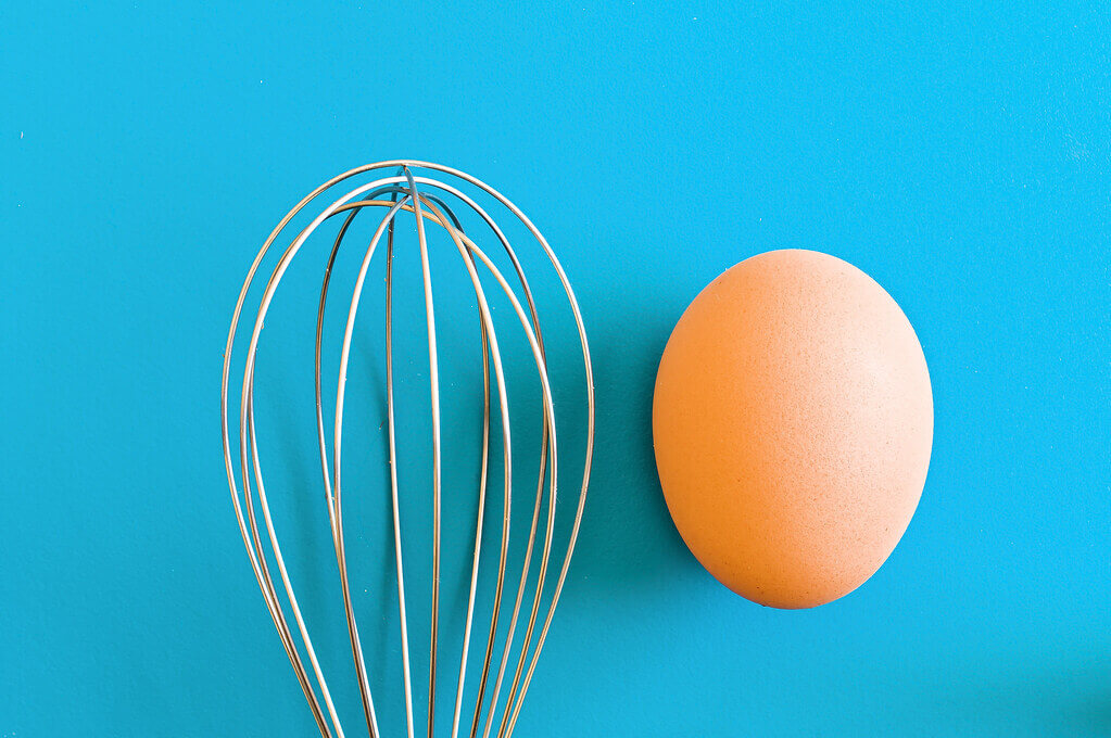 Filip Patock - whisk egg - still life photography