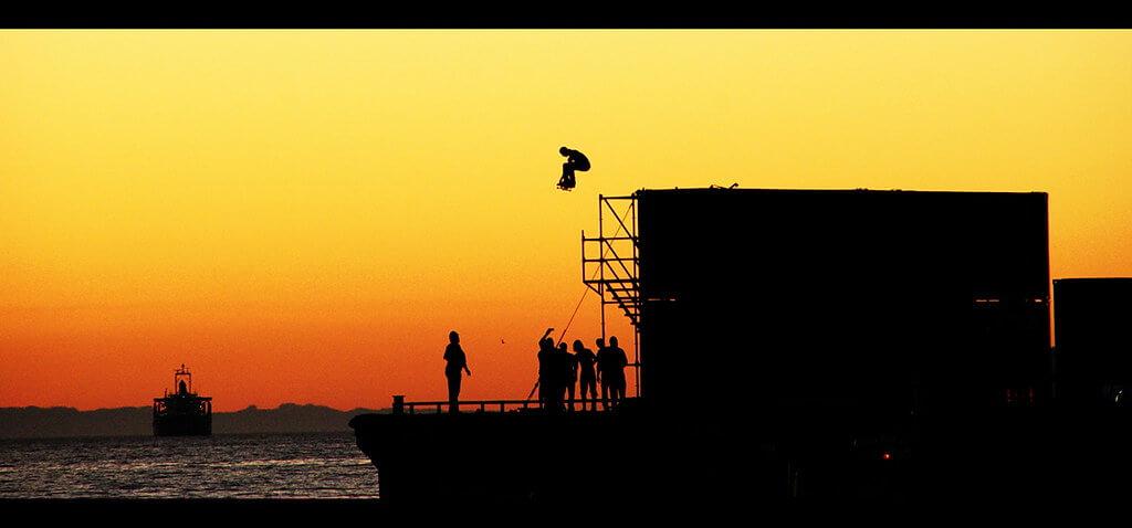 Thanawat Thiasiriphet - skateboard jump silhouette