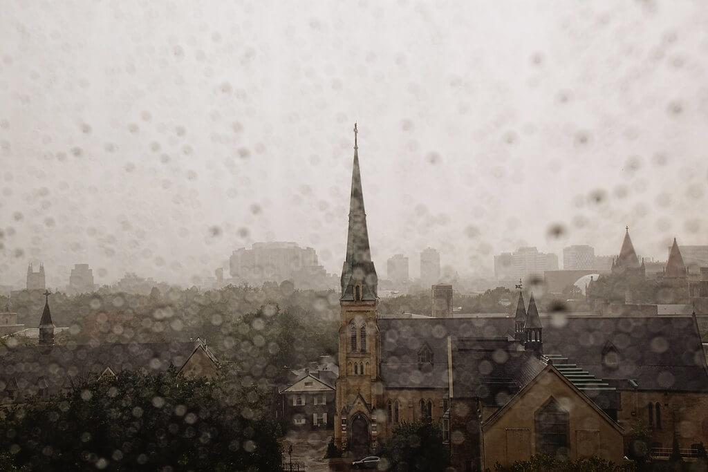 VV Nincic - Toronto rain